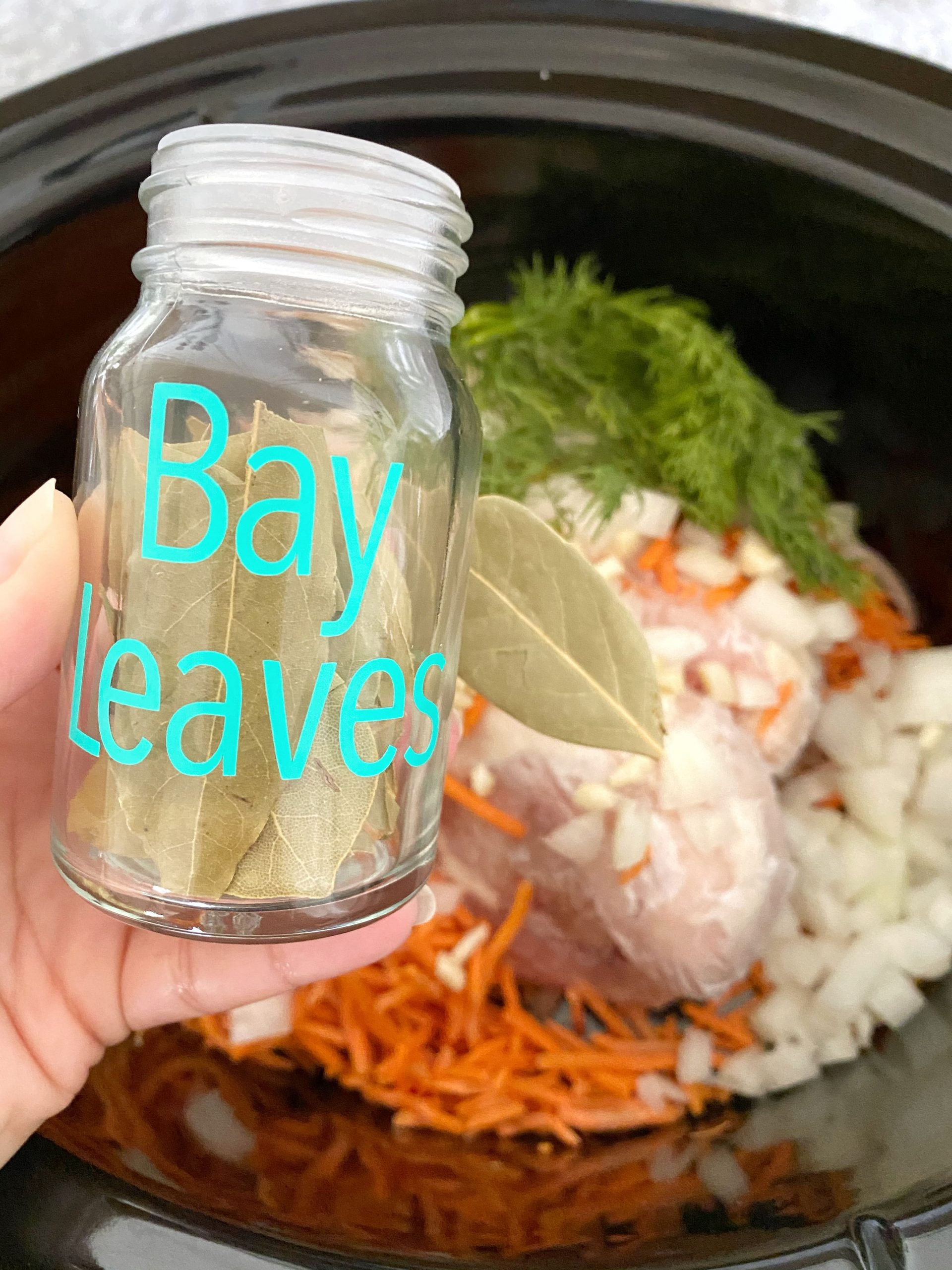 adding bay leaf to crockpot