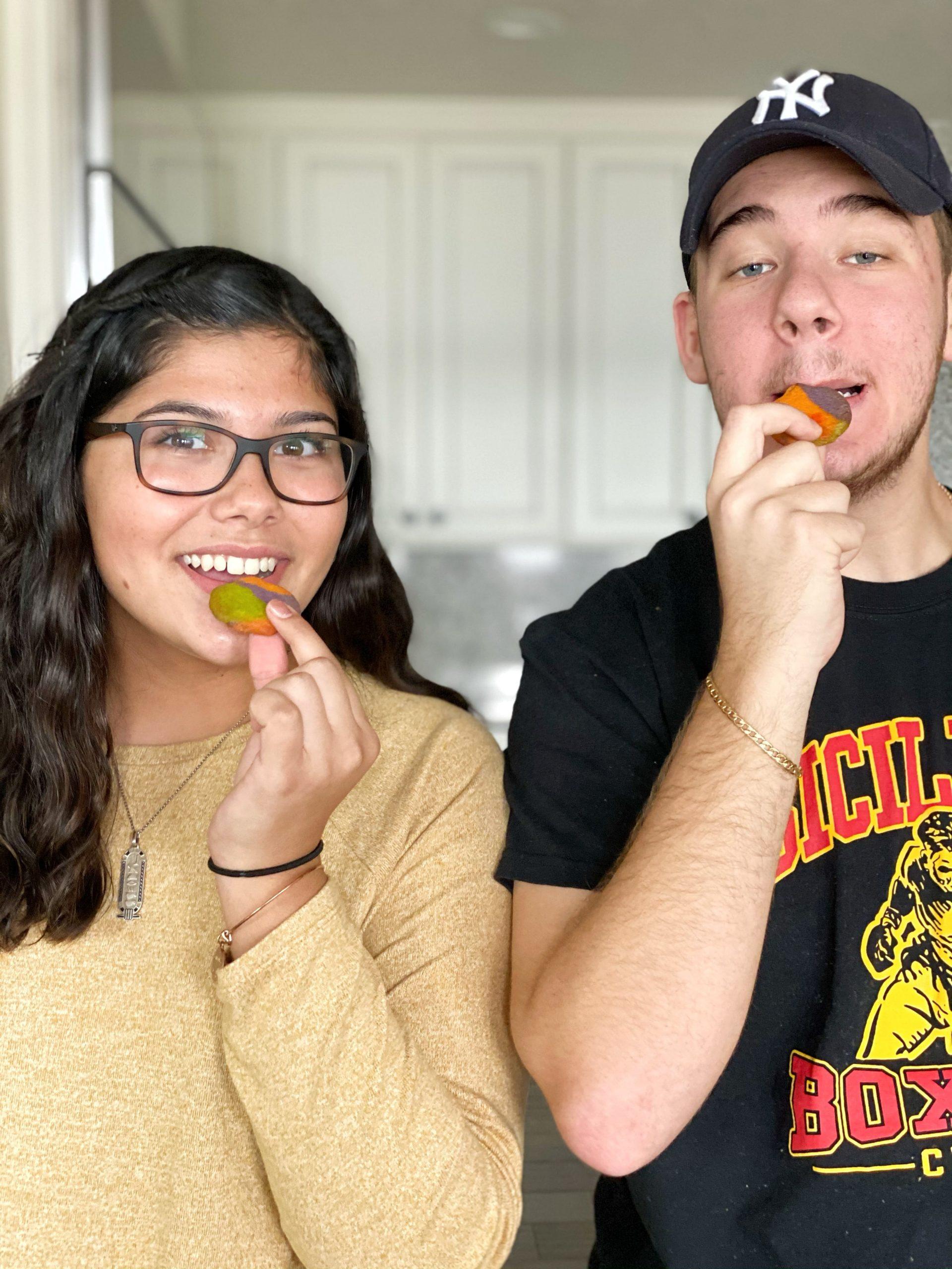 teenagers eating cookies