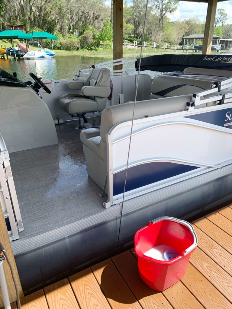 8 Reasons Why You Need to Buy a Pontoon Boat   Pros to buying a pontoon