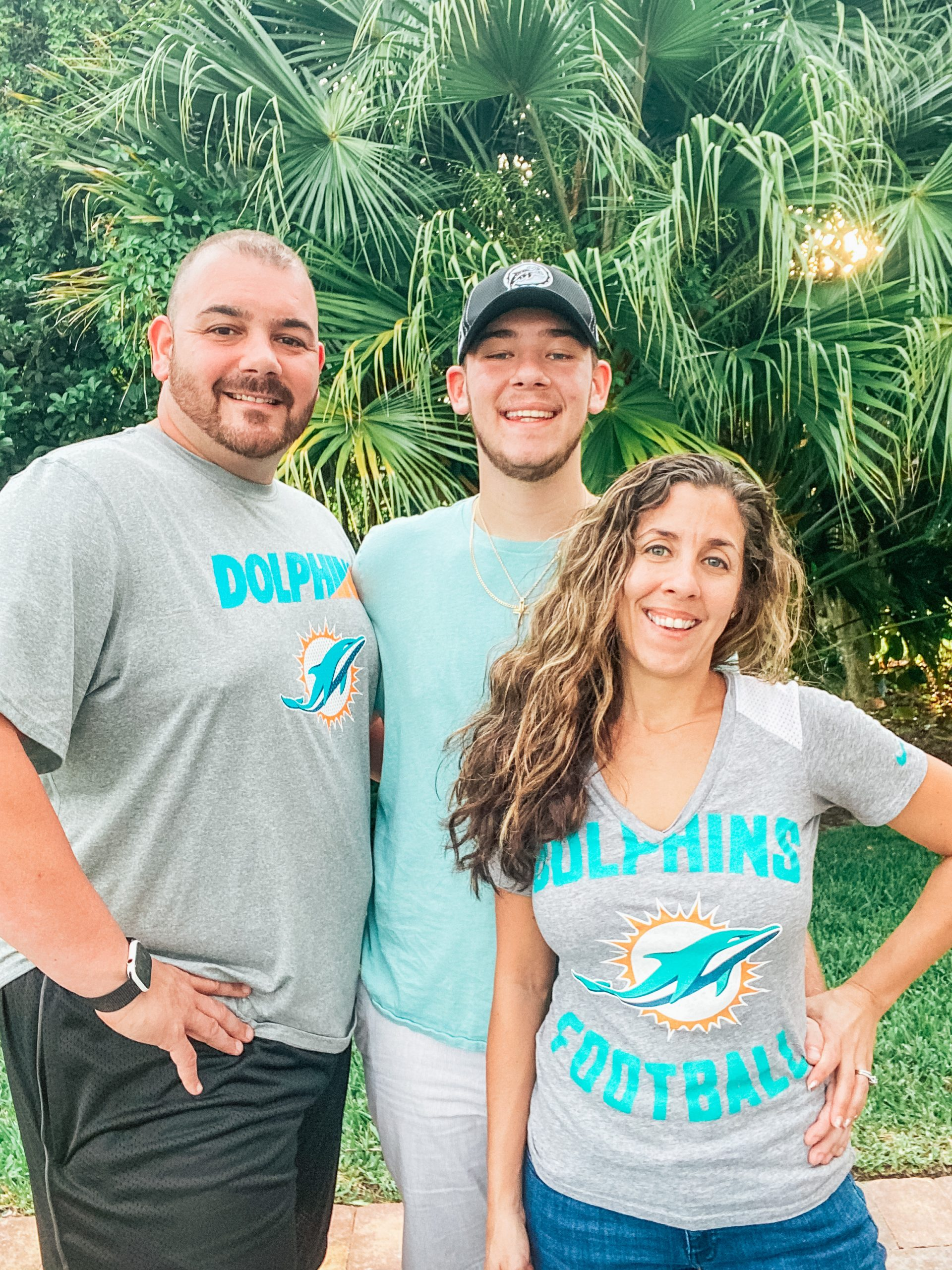 Family in Miami Dolphins clothes