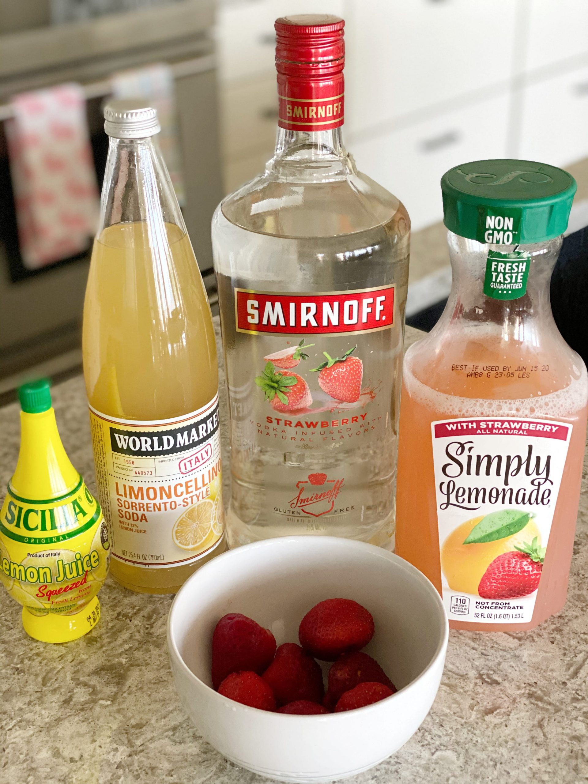 Ingredients to make strawberry lemonade