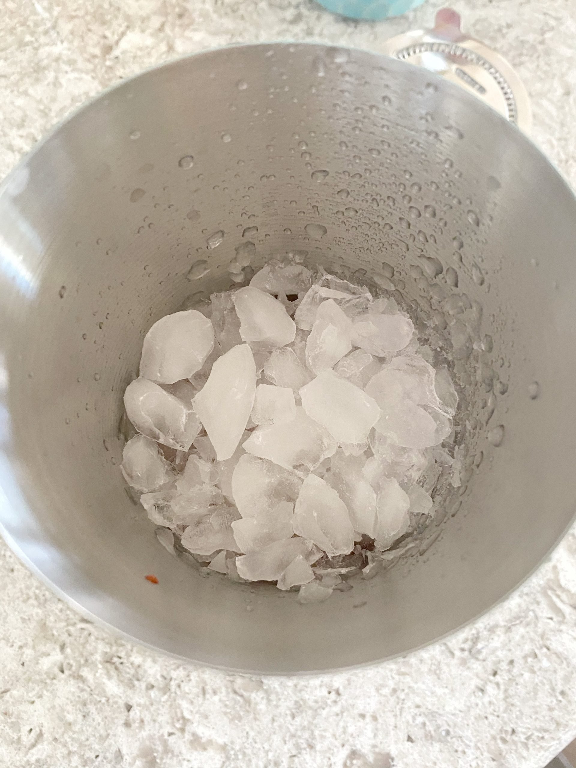 ice in cocktail cup