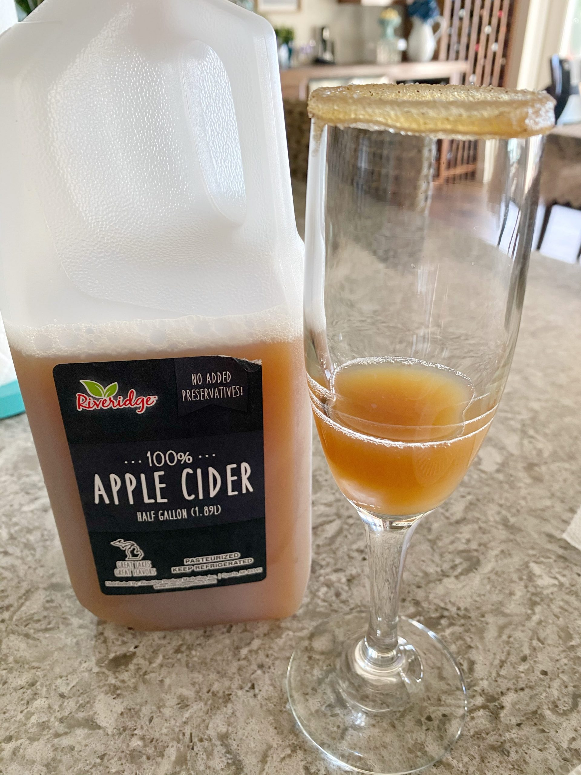 apple cider in champagne flute