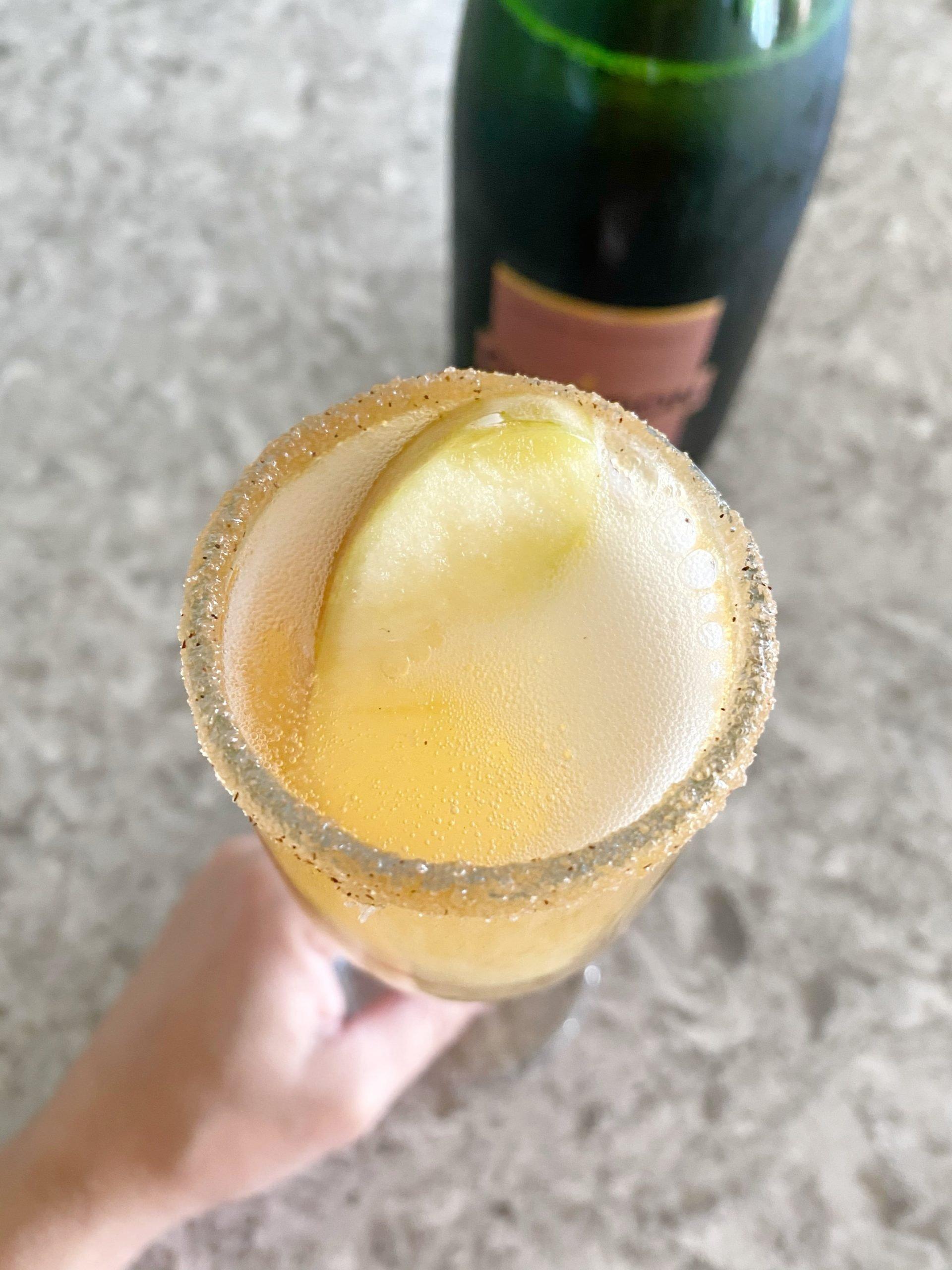 apple slice in mimosa