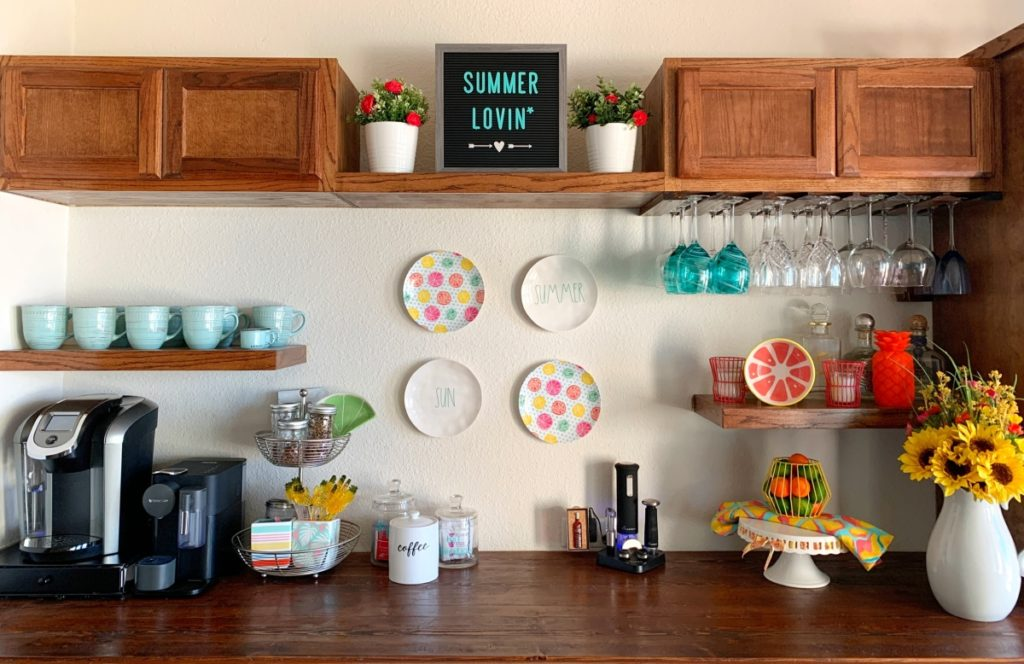 Are you looking for some easy DIY summer decorating ideas for the home that are not only fun but creative too? See my unique tips for creating beautiful indoor summer decor that's perfect for your dining room and bar area. Come take a look inside my lake home and see what you think!