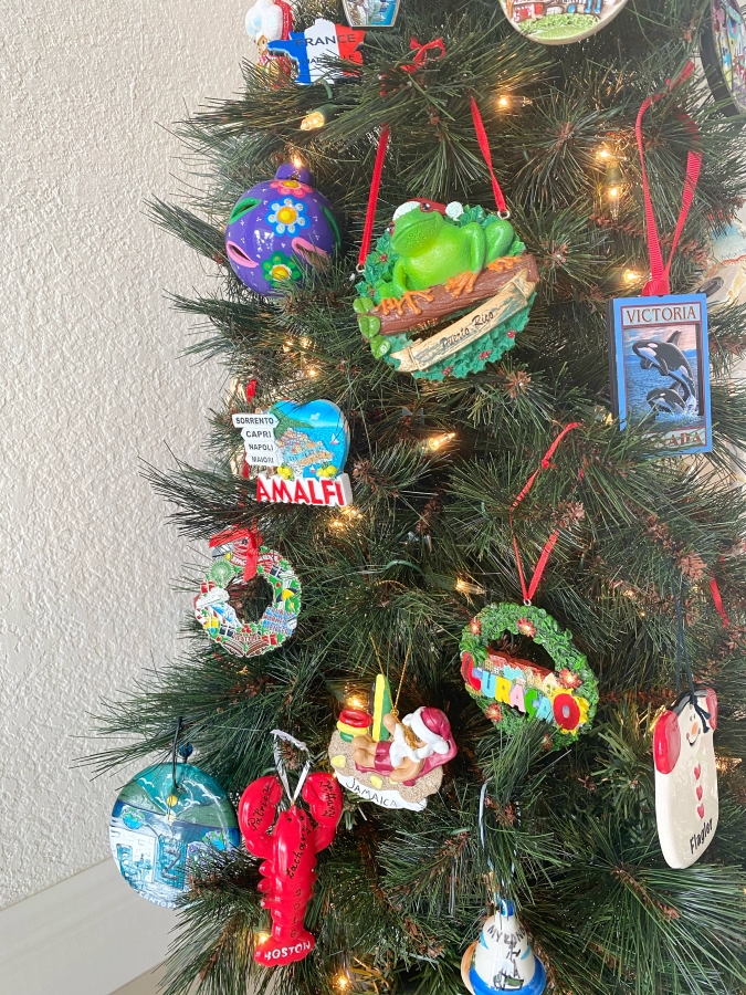 Around the world themed Christmas tree