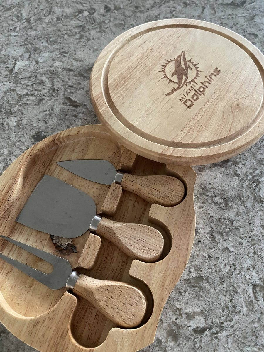 Miami Dolphin Cheese Set