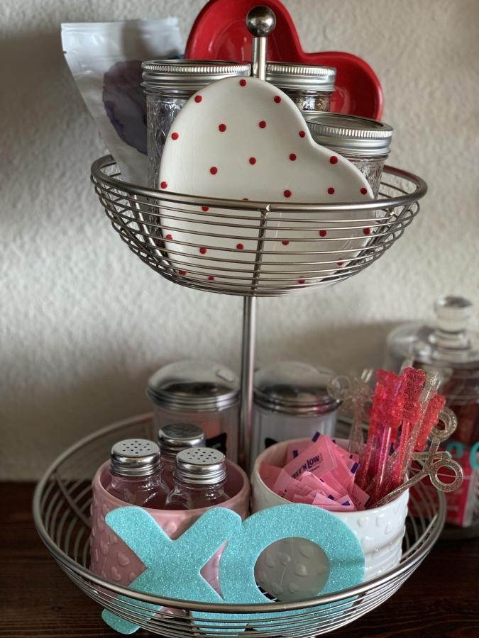Two-tiered wired basket Valentine Decor