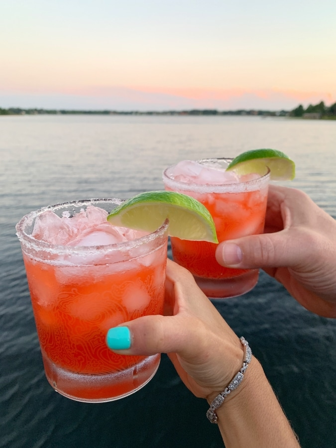 How to Make Easy Strawberry Margaritas on the Rocks | Strawberry Margaritas with a lake view