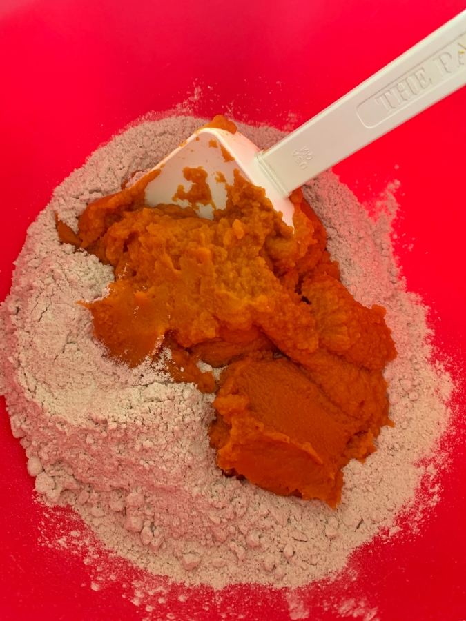 Spice cake mix and pumpkin puree
